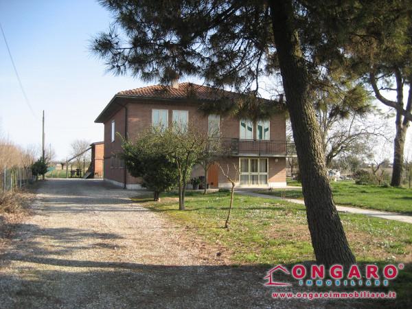 Casa indipendente con ampio scoperto a Copparo (Fe)