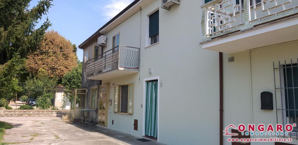 Porzione di casa con magazzino e terreno a Tresignana (Fe) loc. Formignana