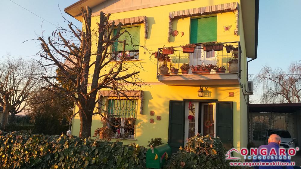 Casa indipendente con giardino a Gradizza di copparo (Fe)