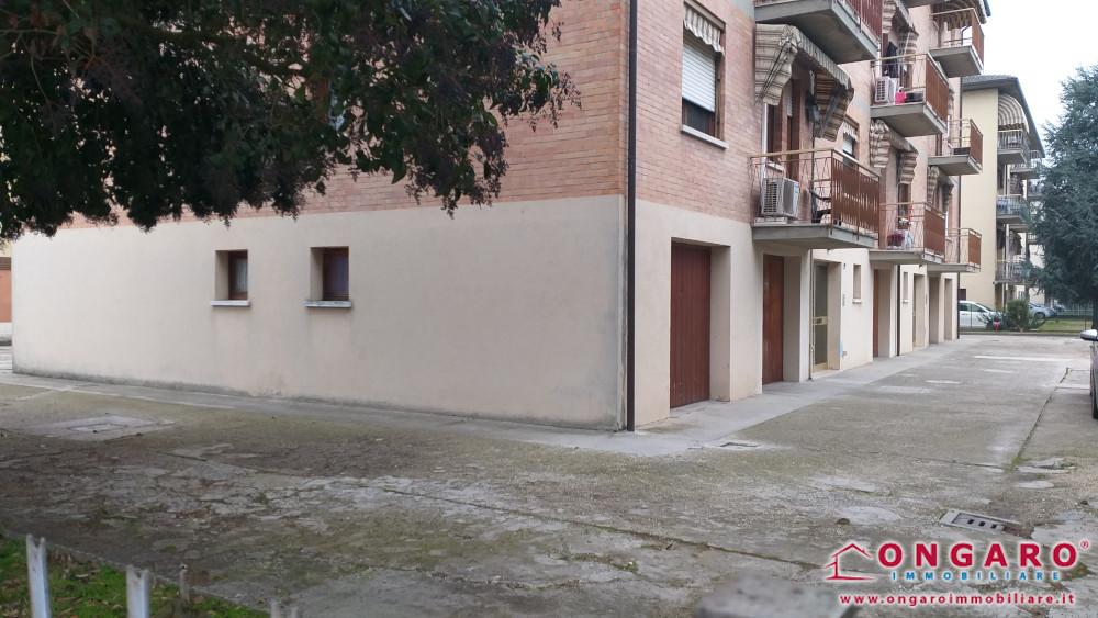 Bilocale arredato al 1° piano con garage a Copparo centro (Fe)