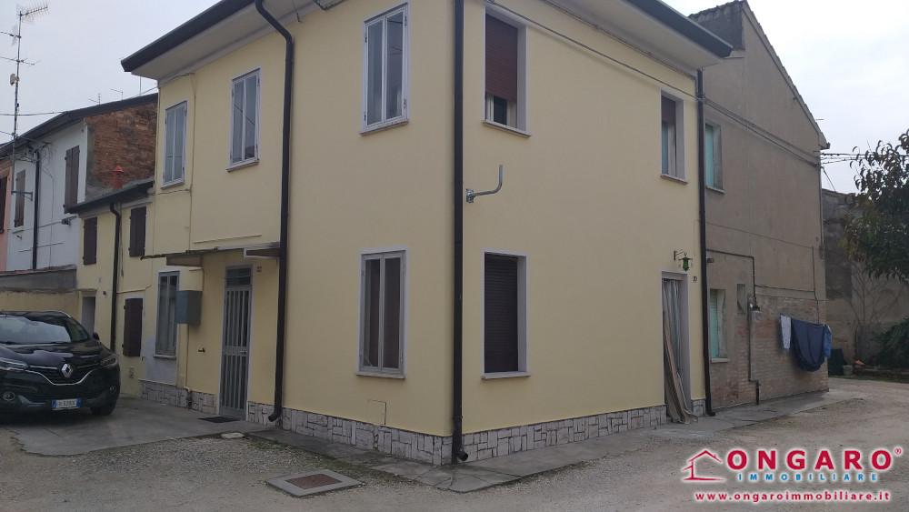 Centralissima porzione di casa a Copparo (Fe)